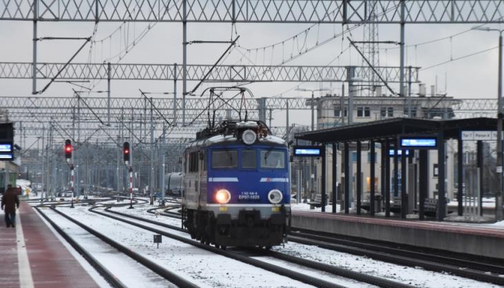 ZNTKiM i Olkol chętni do modernizacji 76 elektrowozów PKP Intercity