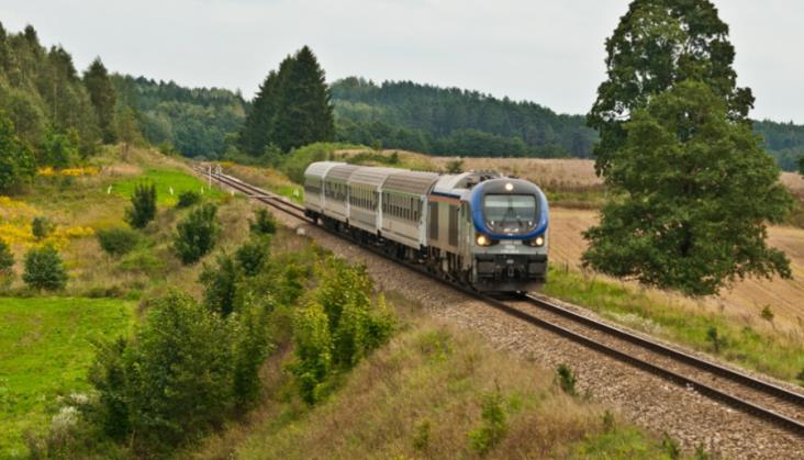 Połączenia (bez)nadziei. Pół setki pociągów odwołanych w miesiąc