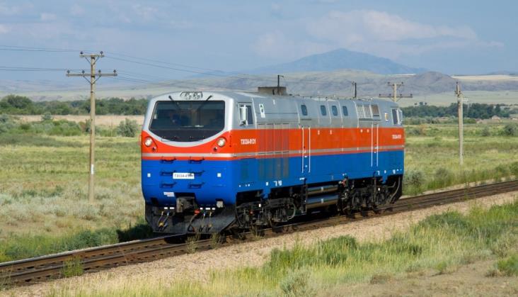 Miliardowy kontrakt kolejowy na Ukrainie. UZ kupi 30 lokomotyw od GE