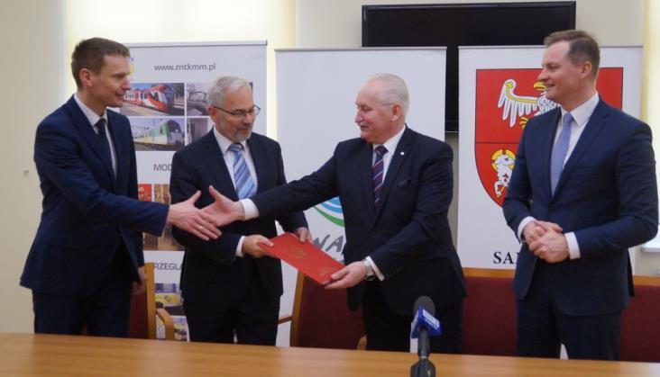 Warmińsko-mazurskie podpisało umowę na jeden (z najdroższych) EN57
