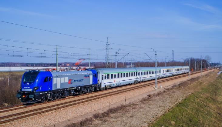 Lokomotywy Griffin E4DCUd przekazane do PKP Intercity