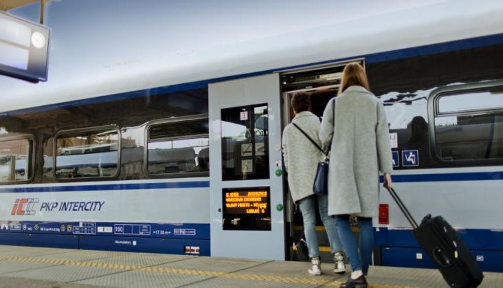 PKP Intercity przyciąga nowych podróżnych