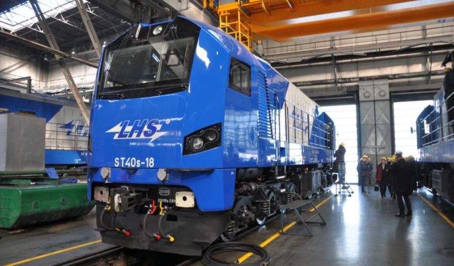 Newag: Pierwsza z dziesięciu lokomotyw 311Da w PKP LHS