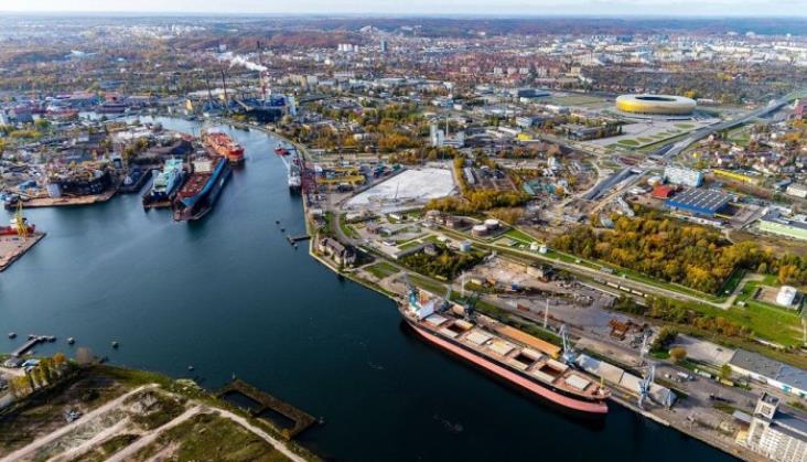 PLK seryjnie unieważnia przetargi na rozjazdy i materiały dla portów