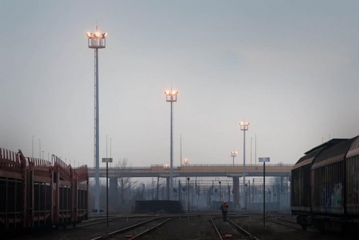 Nowe Oświetlenie Masztowe Na Stacji Poznań Franowo Zdjęcia
