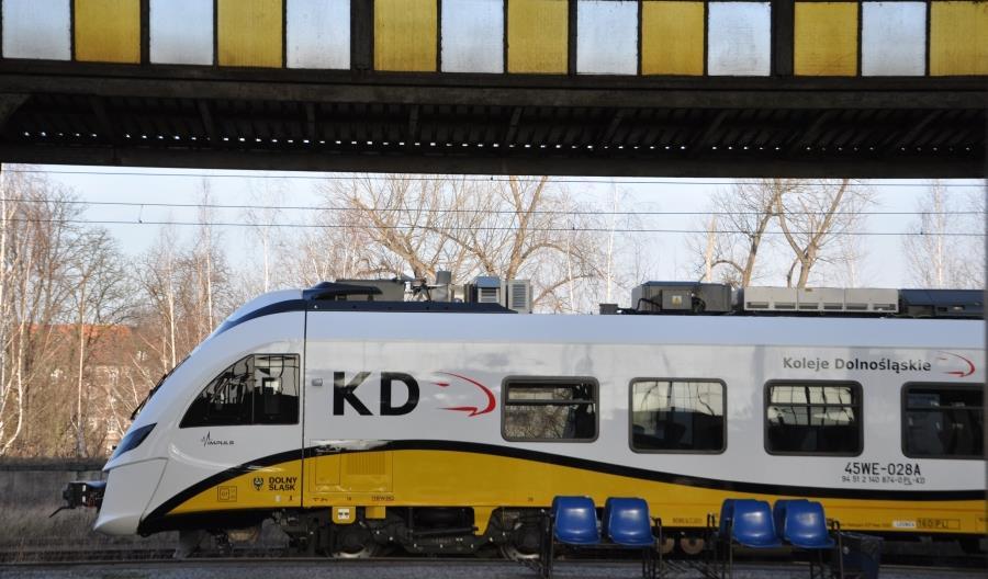 Koleje Dolnośląskie z gwarantowanym dofinansowaniem na 11 pociągów