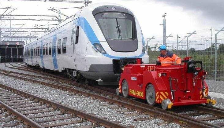 Przewozy Regionalne kupią elektryczny ciągnik do manewrów