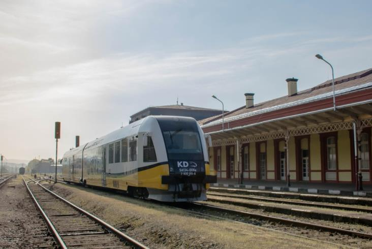 Koleje Dolnośląskie dotarły do Mezimesti. Na razie bez pasażerów [zdjęcia]
