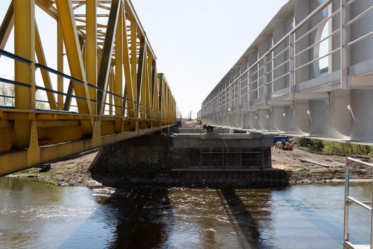 Postępy prac na stacji Dęblin i przy moście na Wieprzu