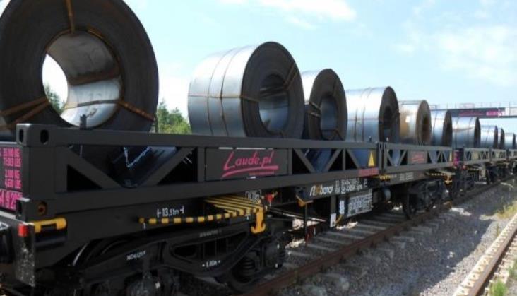 Laude kupi 200 wagonów platformowych w Rosji