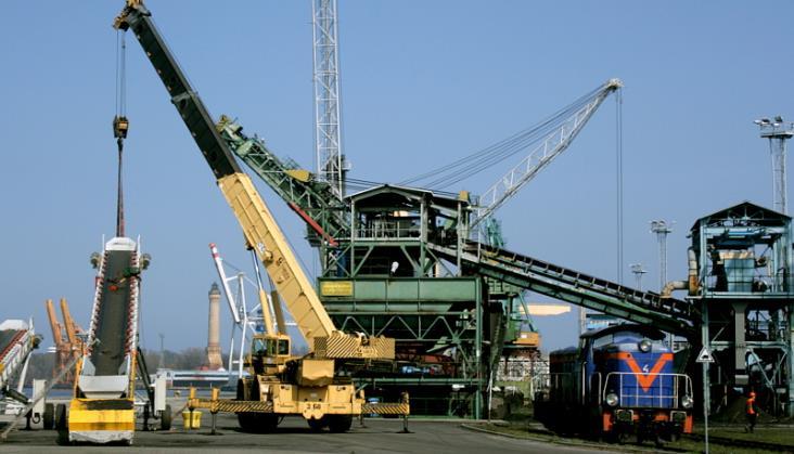 Merchel: PLK przebuduje tory we wszystkich polskich portach