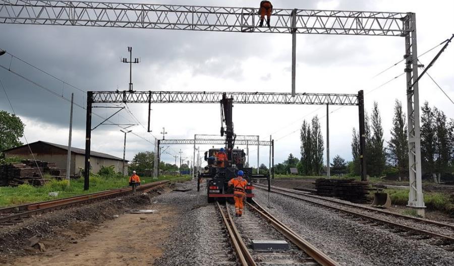 Trwają prace przy przebudowie stacji Stalowa Wola Rozwadów