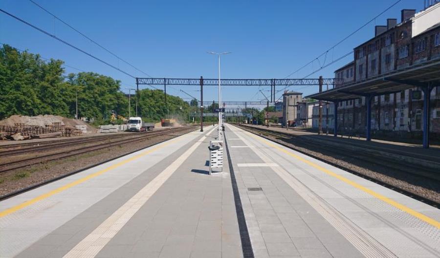 Linia do portu w Kołobrzegu po remoncie, peron 2. stacji prawie gotowy