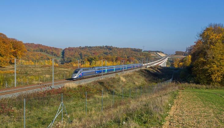 Francja: Rząd gotowy przejąć gigantyczny dług kolei