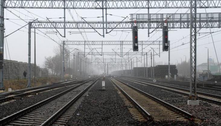 Wykonawca modernizacji linii 447 wystąpił o przedłużenie zamknięcia o półtora miesiąca