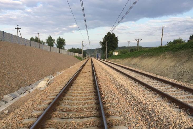 Rudawa. Z nowego peronu do Krakowa i Katowic