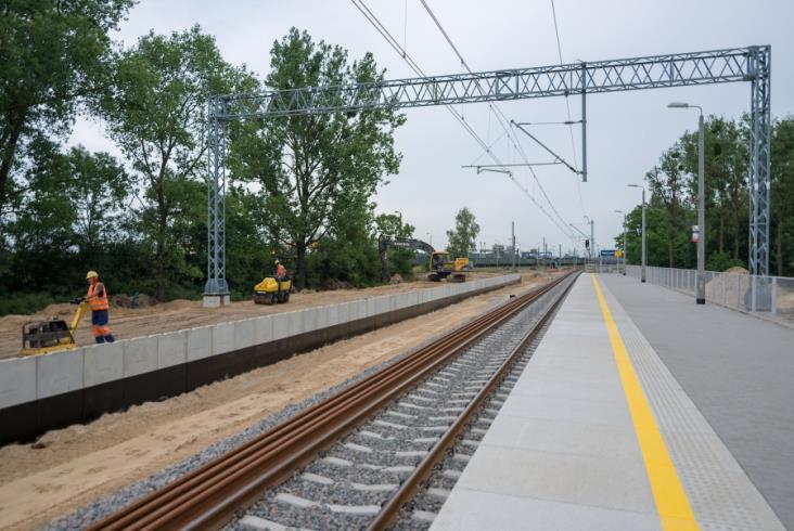 PLK chwali się postępami w modernizacji odcinka E20 Siedlce – Terespol [zdjęcia]