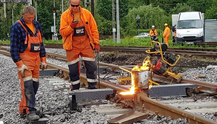 PLK nie będzie już zamykać dwutorowo linii kolejowych