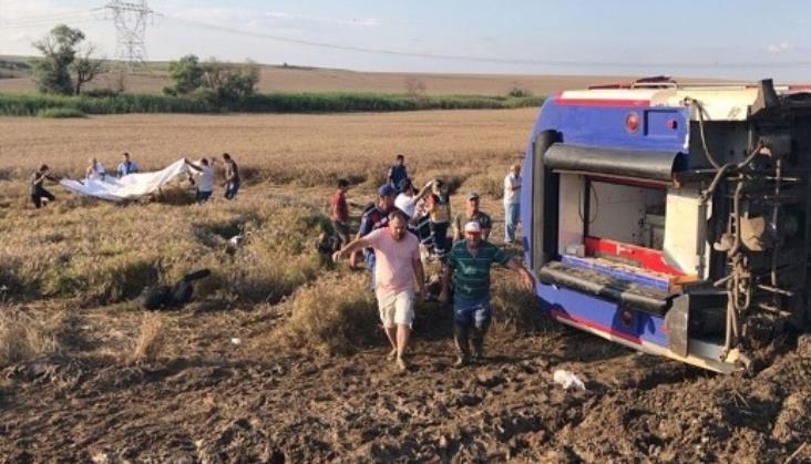 Katastrofa kolejowa w Turcji. Kilkanaście osób nie żyje