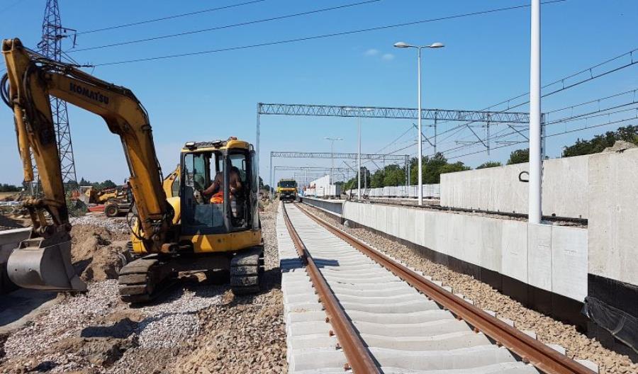 Linię 447 otworzą 24 września. Pociągów będzie mało, pojadą wolniej i bez zatrzymania w Pruszkowie
