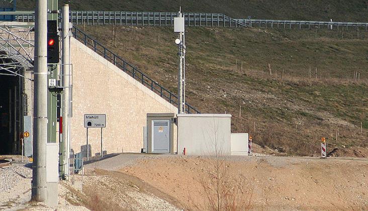 Zatrzymani w sprawie ogromnego przetargu na GSM-R usłyszeli zarzuty