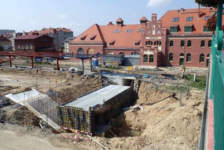 """""""Kombajn"""" torowy na linii Gardeja – Malbork [zdjęcia]"""