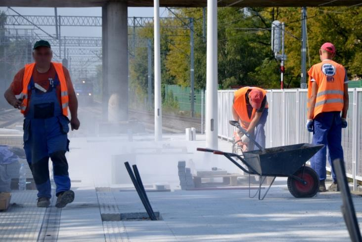 Warszawa Włochy: Pasażerowie korzystają już z nowych peronów [zdjęcia]