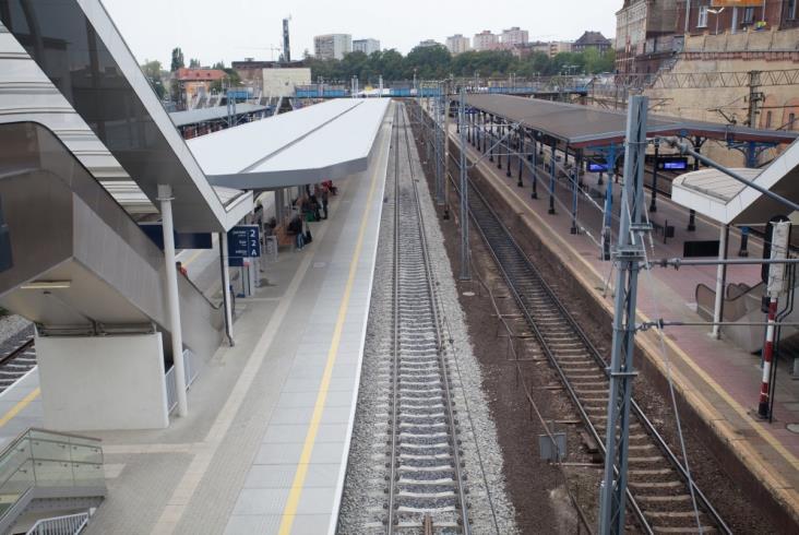 Szczecin Główny – nowy peron już służy pasażerom [zdjęcia]