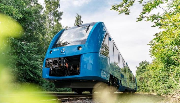 Pociągi Alstom o napędzie wodorowym wyjechały na tory w Dolnej Saksonii. Światowa premiera