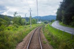 Po roku naprawiono tor na linii do Nowego Sącza. W weekend pojedzie pociąg retro