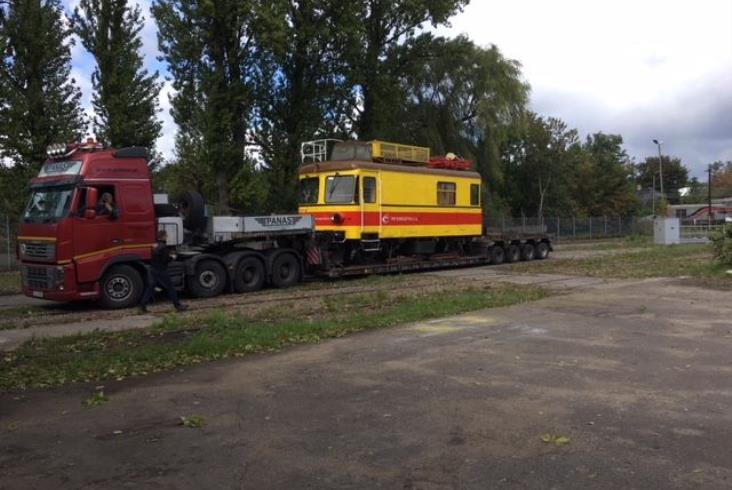 PKP Energetyka przekazała odnowiony model pojazdu Parowozowni Skierniewice