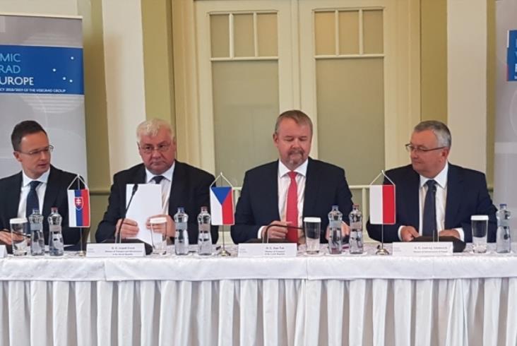 Ministrowie państw Grupy Wyszehradzkiej podpisali deklarację ws. rozwoju KDP