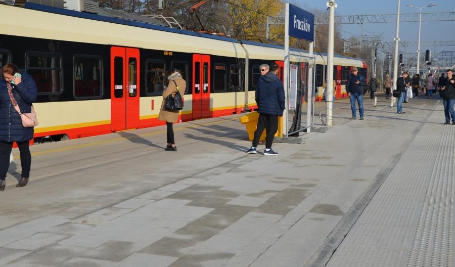Cały peron stacji w Pruszkowie oddany do użytku [zdjęcia]