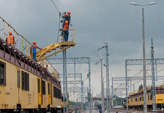Koszty realizacji inwestycji kolejowych mocno wrosły [raport]