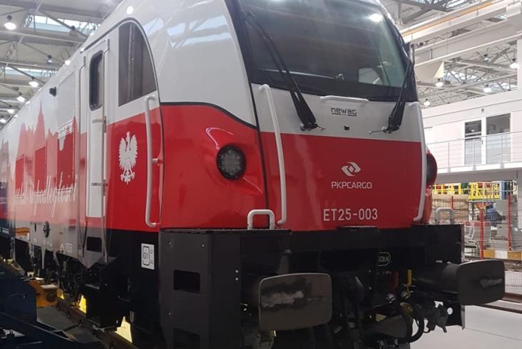 Dragon 2 dla PKP Cargo w malowaniu na 100-lecie niepodległości [zdjęcia]
