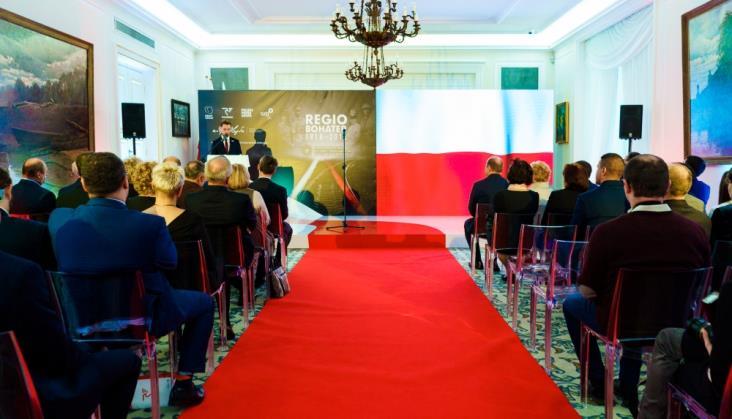 W Belwederze wręczono nagrody laureatom konkursu REGIObohater