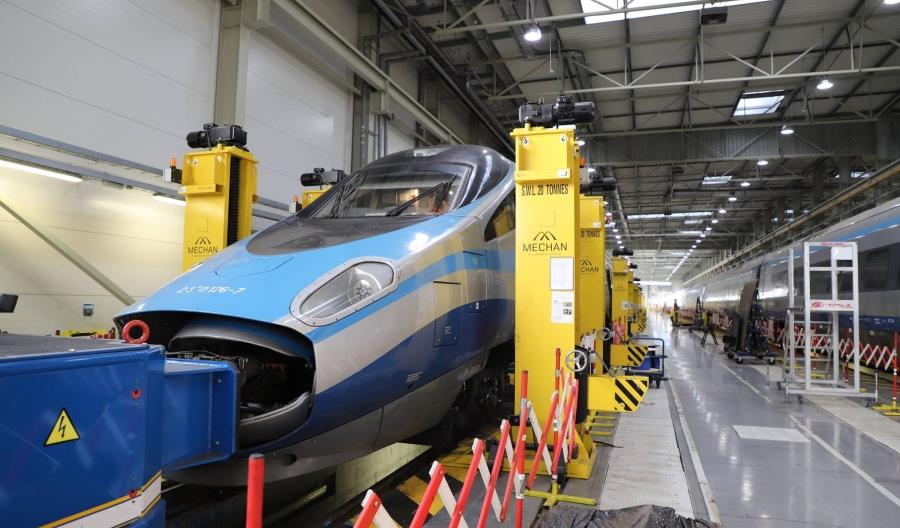 Alstom montuje internet w Pendolino [zdjęcia]