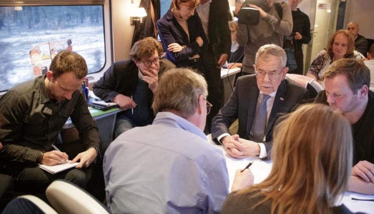 Prezydent Austrii pojechał na Szczyt Klimatyczny pociągiem. Nie było jego wagonu