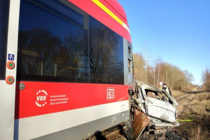 Spłonął skład DB Regio w pobliżu Kołbaskowa