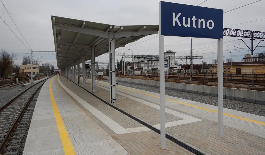 Nowy peron oddany do dyspozycji pasażerów w Kutnie [zdjęcia]