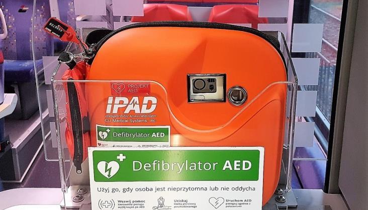 Defibrylatory w pociągach ŁKA z budżetu obywatelskiego