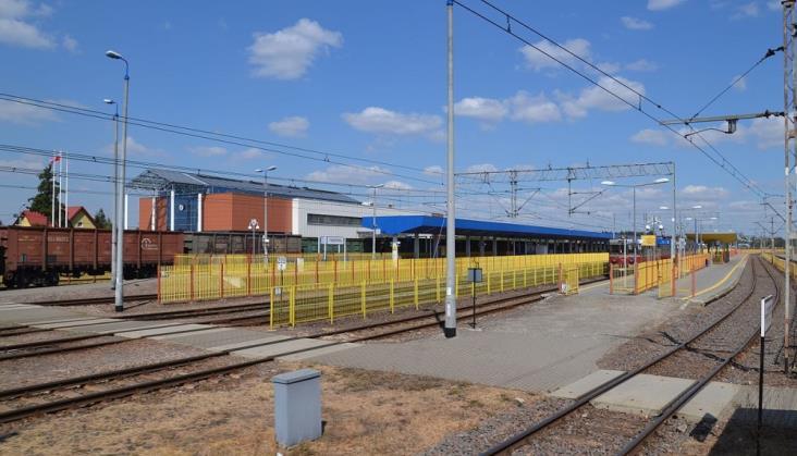 Cztery firmy chcą zaprojektować rozbudowę szerokich torów na stacji Terespol [oferty]
