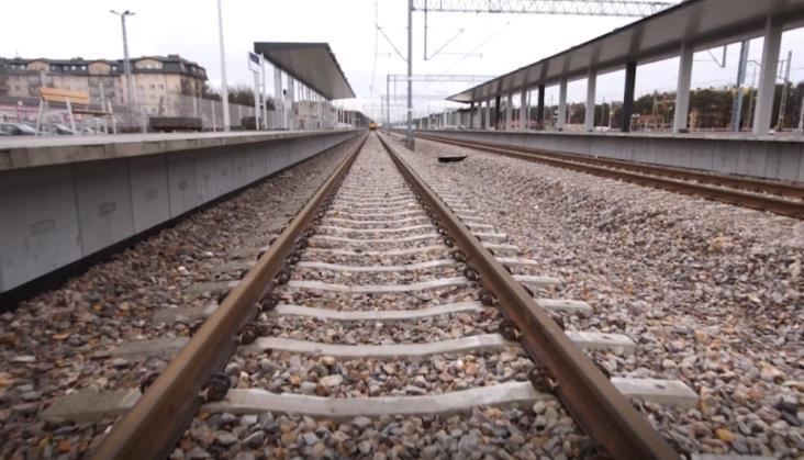 Na budowie linii nr 7 skradziono kable. Kolejny etap modernizacji trzeba przełożyć