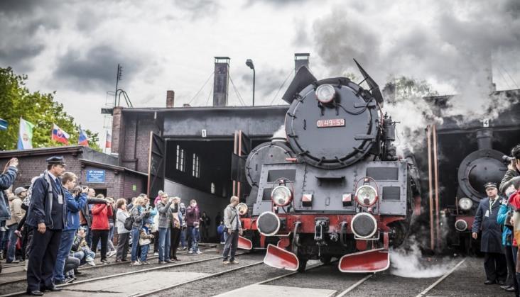 Wolsztyn: Pociągi parowe z własnymi wagonami Parowozowni