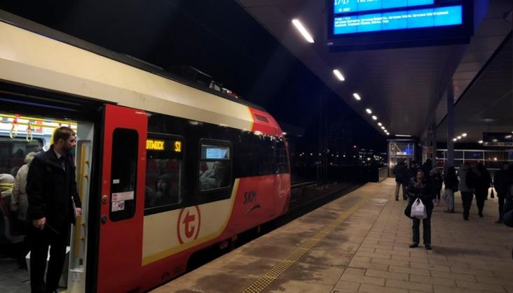 Warszawa Stadion: Ekrany kierują do złych pociągów. PLK: Nie mamy informacji o częstych odstępstwach