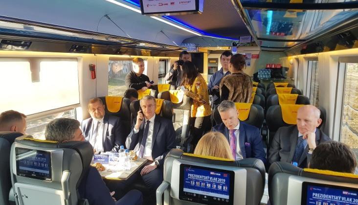 Debata prezydencka w pociągu Regiojet na Słowacji