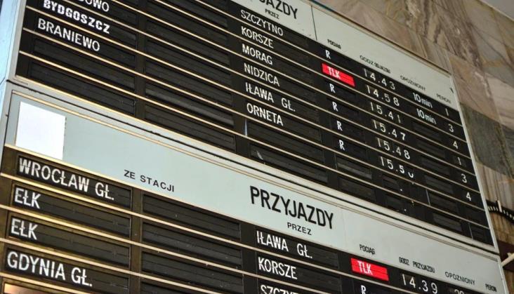 Analogowa informacja pasażerska na 26 stacjach. Urządzenia Pragotronu – na dwóch