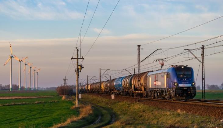 Grupa Orlen chce pozyskać kilkadziesiąt nowoczesnych lokomotyw