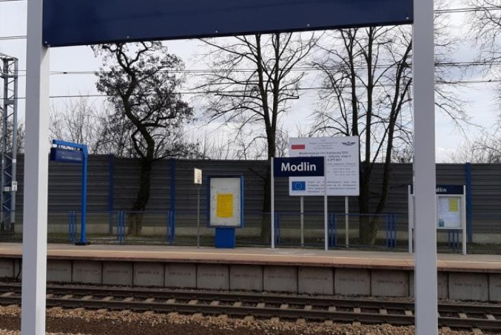 Pasażer lepiej zorientowany – milion zł na nowe oznakowania przystanków Mazowsza