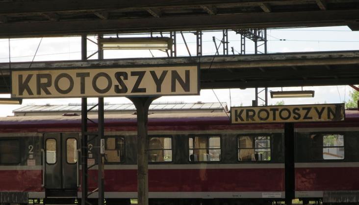 Wrocław – Krotoszyn: Pociągi jeżdżą od tygodnia, ale ustaleń ws. skomunikowań nie ma